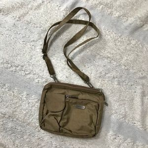 Baggallini 'Mushroom' tan wallet crossbody purse